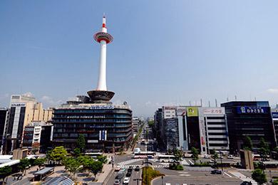京都支社の立ち上げ。自社サイト、基幹システム等の開発