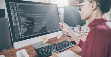 自社Webサイトのプログラミング、構築、サーバー管理、運用